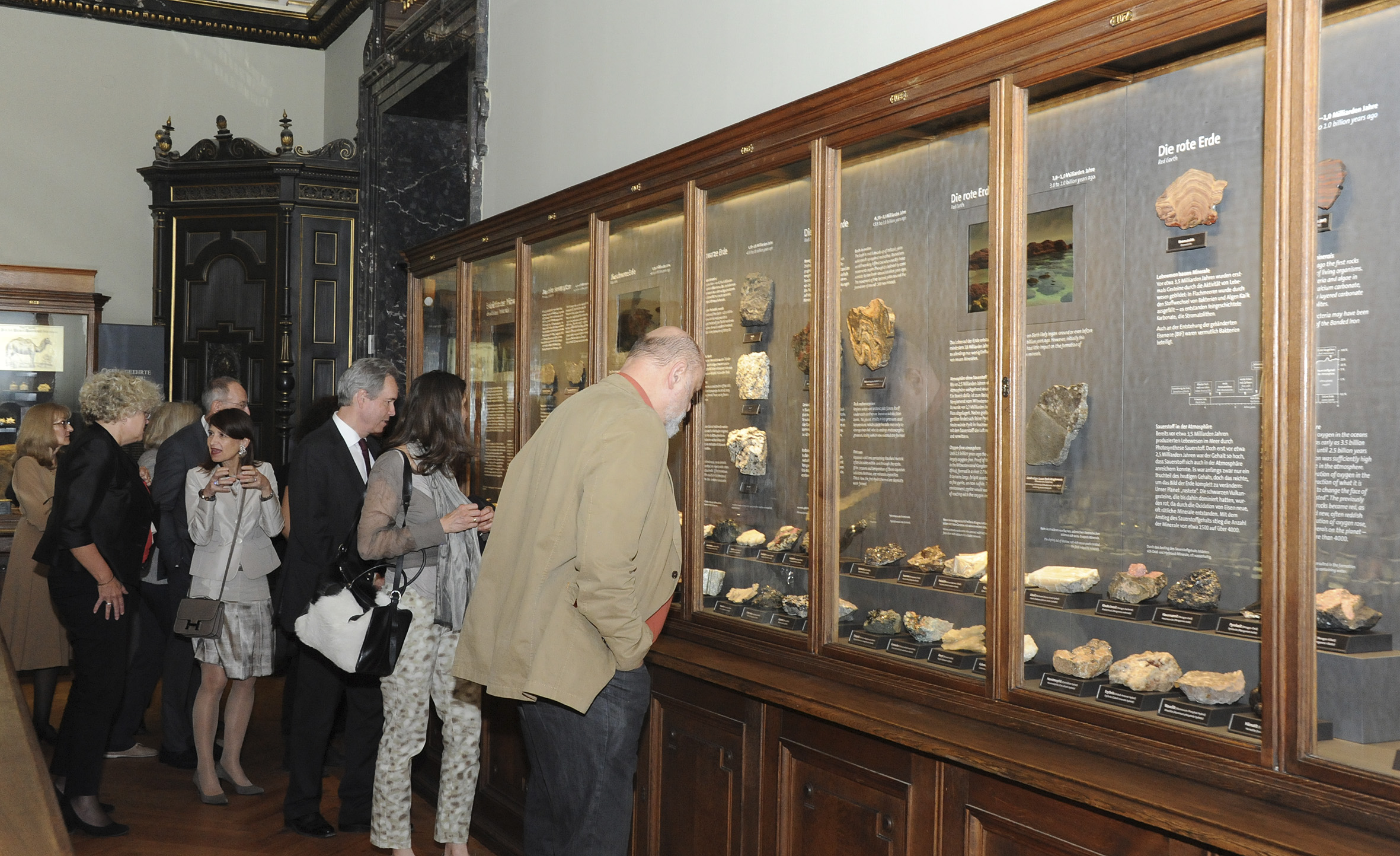 New Exhibit Opens In Vienna Showcases Mineral Evolution On Earth - How many museums in usa